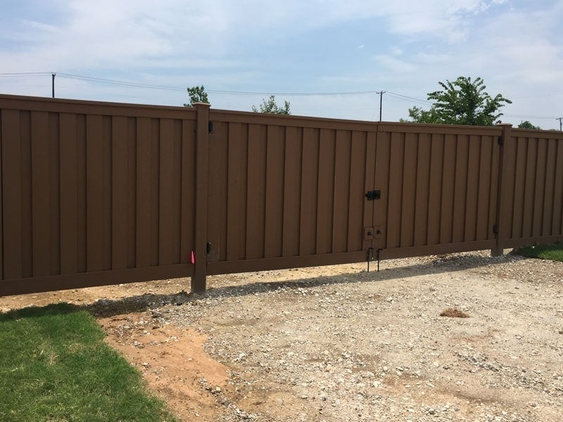 Love's Travel Stop Trex Fencing Double Gate
