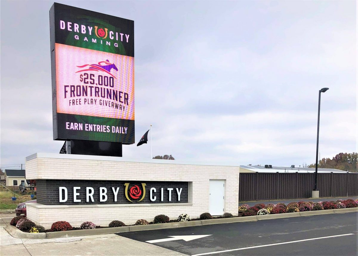 Derby City Gaming in Louisville, Kentucky surrounded by Trex Seclusions Fence