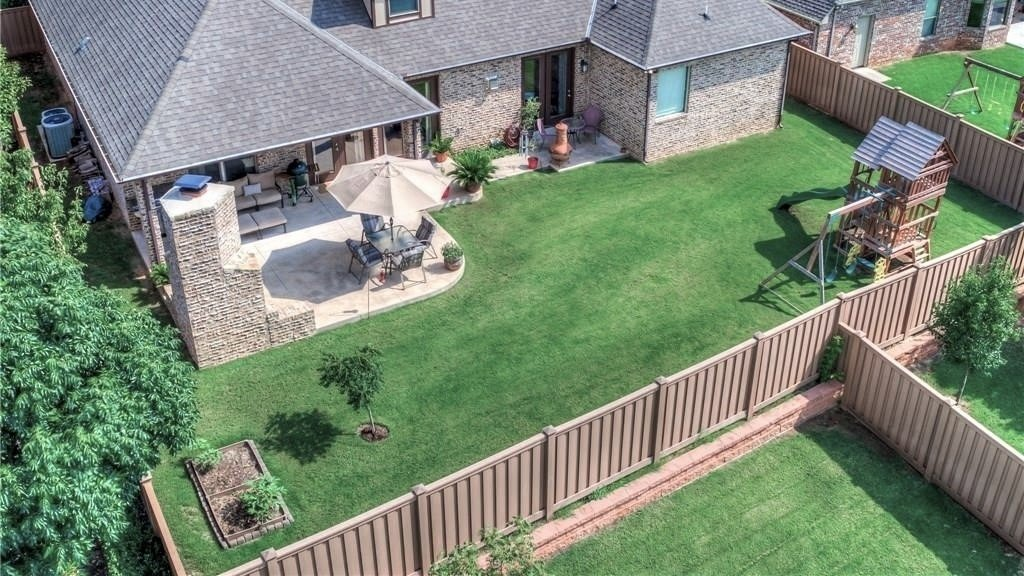 An aerial view of Trex Fencing in several backyards